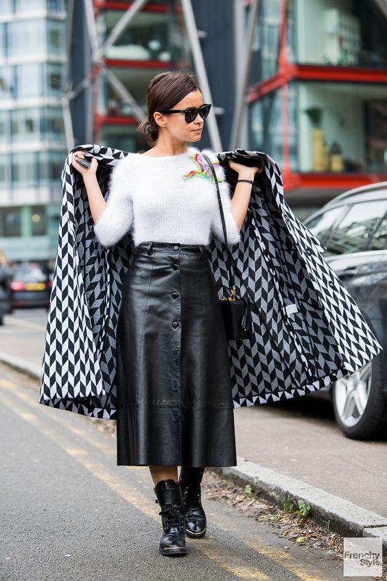 Quelles chaussures porter avec une jupe crayon en cuir ?
